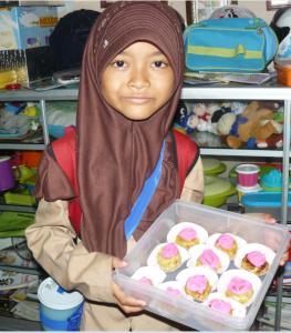 Piskar Bulat Saus Coklat Strawbery : Ide Spontan Nan Menyenangkan