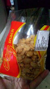Kacang Koro : Ety Snack Purwokerto, Asinnya Ampyunn!!