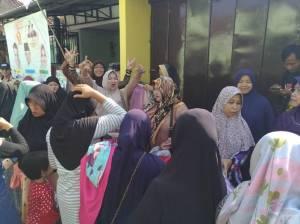 Baksos Relawan Padi Emas Purwokerto Timur, Hebohnya Para Emak!