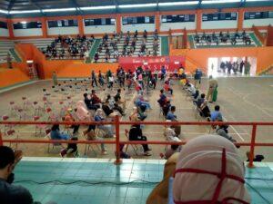 Menikmati Vaksin Astra Zeneca Perdana Di Gor Satria Purwokerto