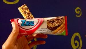 Zee Multigrain Cereal Bar :  Bar Sereal Rasa Coklat