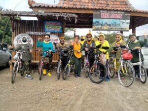Wisata & Rumah Makan Kuna Lereng Purwokerto, Bisa Karaoke Plus Ngemil Cenil