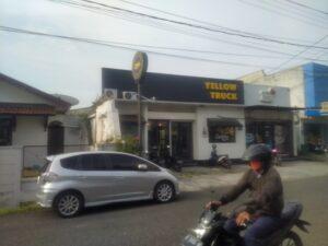 Yellow Truck Coffee Purwokerto : Akhirnya Kami Singgah!!