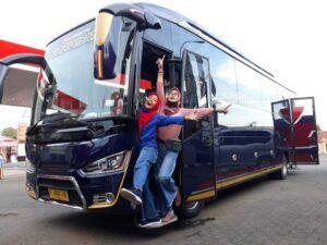 Piknik Pakai Legacy Bus, Betah- Betah Manjah...!!