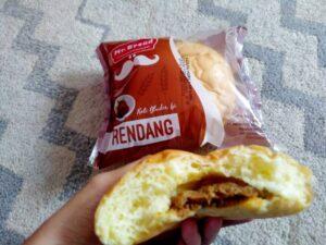 Mr Bread Roti Bluder Isi Rendang?! Unik Rasanya